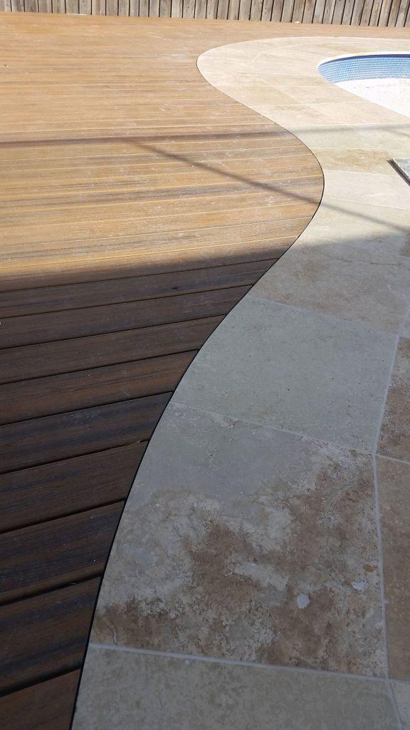 Freeform stone pool coping